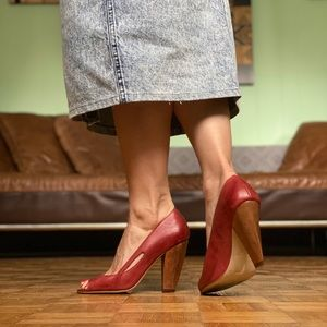 Aldo Red Leather / Wood Pumps